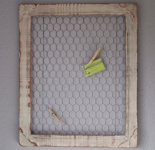 DIY PROJECT - CHICKEN WIRE FRAME - DECORATING ON A BUDGET - Frugal ...