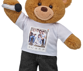 Web Exclusive, One Direction Bears at Build-A-Bear Workshop!
