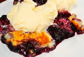 Cooking On A Budget: Crock Pot Berry Cobbler!