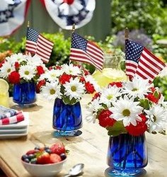 Use Budget Memorial Day Decorations This Year to Save Money on Your Holiday Party!
