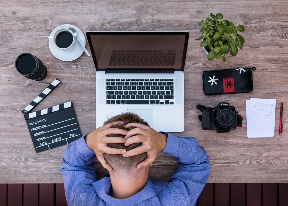 blogger thinking